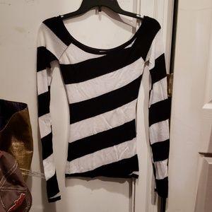 Tops - Black & White Sweater